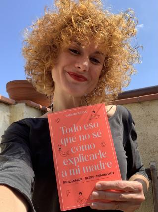 """Presentació del llibre """"Todo eso que no sé cómo explicarle a mi madre"""" de Sandra Bravo"""